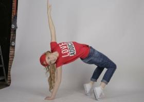 TikTok。舞蹈、挑战和歌曲的编排–例子