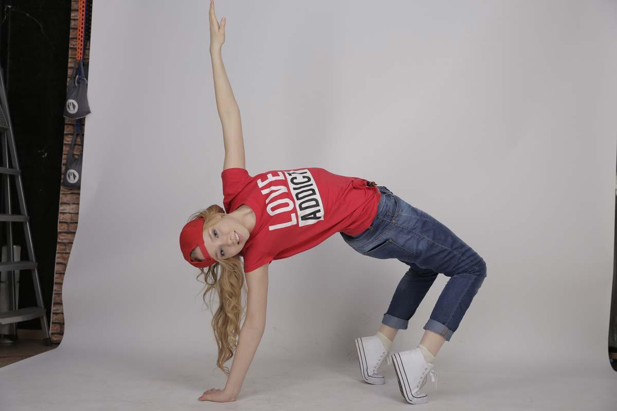 TikTok。舞蹈、挑战和歌曲的编排--例子